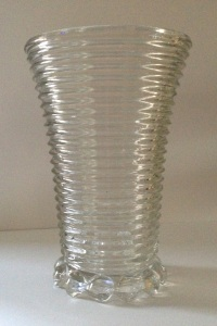 "Anchor Hocking ""Manhattan"" vase, 1938-43. Note the ""bubble"" foot."