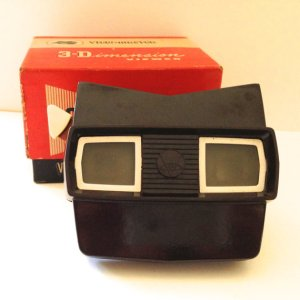 Viewmaster 3-D Model E in original box with slides