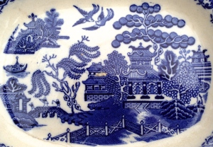 """Typical Blue Willow illustration of the """"Chinese Lovers"""" story"""