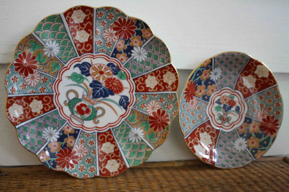 Dating imari plates value