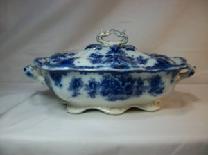 "19th Century Thomas Rathbone ""Clyde"" Tureen. Photo courtesy of Susies Art and Antiques, Etsy"