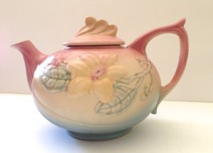 "Hull Pottery Teapot in ""Magnolia"" Pattern, 1940s"
