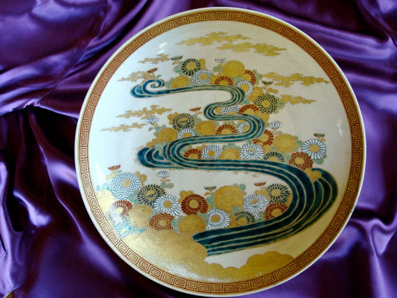 Museum quality Imperial Satsuma plate. Photo courtesy of Applegate Antiques, Etsy