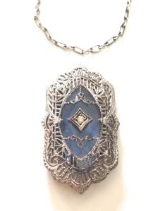 Antique Edwardian camphor glass necklace