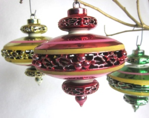 "1960s ""Spaceship"" ornaments. Photo courtesy of KeepItCottage, Etsy"