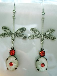 Dragonfly earrings camphor glass style Photo courtesy of BrightEchoVintage, Etsy
